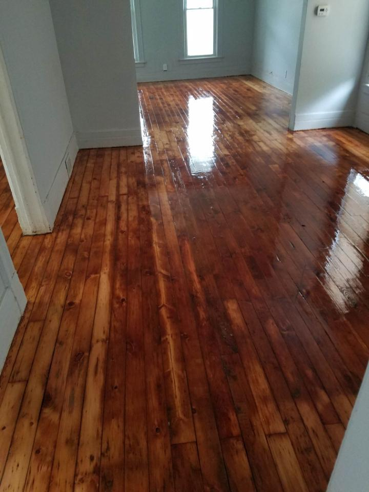 Home Hardwood Floor Refinishing, Floor It